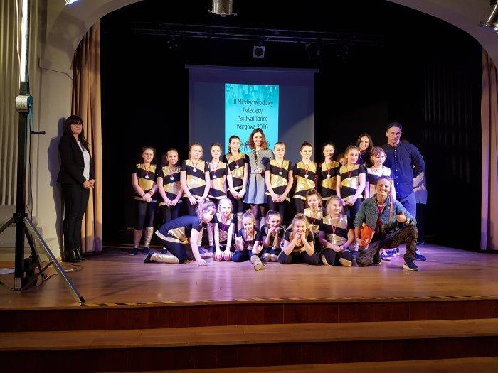 Tancerze Stowarzyszenia Tanecznego Hit na  II Międzynarodowym Festiwalu Tańca